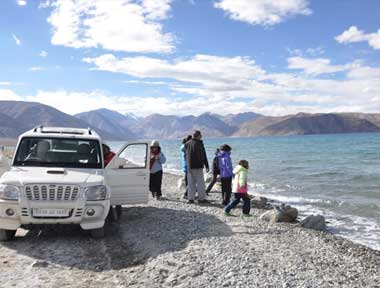 Jeep Safari in Lehladakhtourism.com